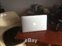 Apple Macbook Air 11 '2015, 8gb Ram 256gb Ssd + Very Good Condition