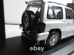 Autoart 1/18 Superb Mitsibushi Pajero Grey Very Good Condition C5 Box