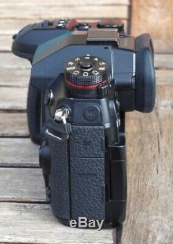 Camera Panasonic Lumix G9, Very Good Condition. Naked Case