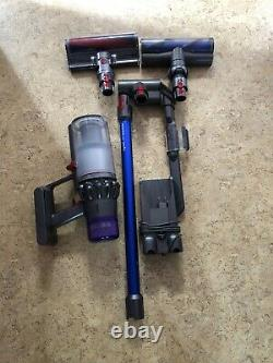 Dyson V11 Absolute Broom Vacuum Cleaner Very Good Condition