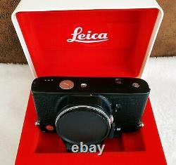 Leica R5 Body In Very Good/ Excellent Condition + Motor Winder + Handle. Great Deal.