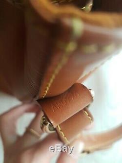 Louis Vuitton Handbag Noé Leather Spike Cognac / Very Good Condition