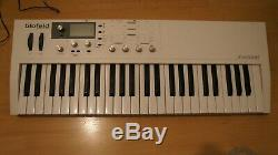 Waldorf Blofeld Keyboard 49-note Digital Synthesizer White Very Good State