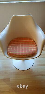 2 fauteuils Knoll tulipe blancs très bon état