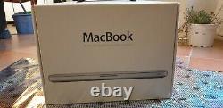 Apple Macbook en Très bonne état, de couleurs argentée. En Promotion 26/12/20