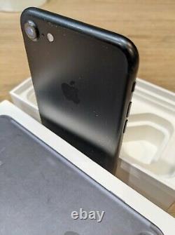 Apple iPhone 8 128 Go NOIR Touch id-DÉBLOQUÉ (État très bon)