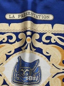 Auth HERMES 100% Silk Scarf Carre 90/35. LA PRESENTATION Très bon état
