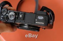 Boitier Fujifilm Fuji X-E2 noir (2000 clics) + 2 ème batterie (très bon état)