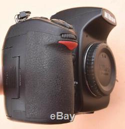 Boitier Nikon D700 nu, 12 MP, full frame, 4 143 déclenchements, très bon état