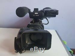 Caméra Sony HXR-MC2000 très bon état (sans housse de rangement)