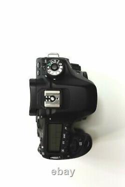Canon EOS 80D + 2 batteries (Très bon état)