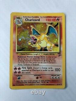 Carte Pokemon Charizard (Dracaufeu) Ultra Rare Etat très bon