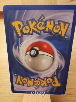 Carte Pokémon Dracaufeu HOLO 4/102 Set de base Très bon état aucunes rayures