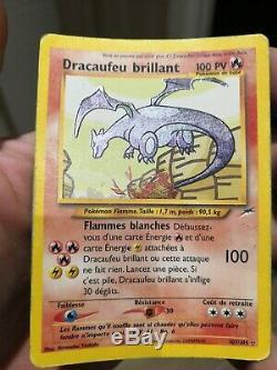 Carte pokemon dracaufeu brillant très rare. Très bon état général
