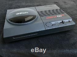 Commodore Console Amiga CD32 PAL Très Bon état
