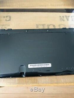 Console New Nintendo 3DS XL métallique Noire chargeur stylet en tres bon etat