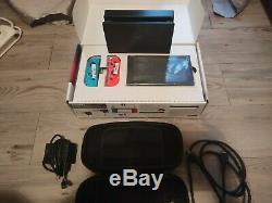 Console Nintendo Switch 32 GO Très Bon Etat + Pochette & Boite + 2 jeux (démat)