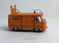 Dinky Toys 570A Original 1966 Autoroutes Peugeot J7 en trés bon état