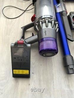 Dyson V11 Absolute Extra aspirateur balai très bon état
