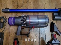 Dyson V11 Absolute aspirateur balai très bon état sans batterie