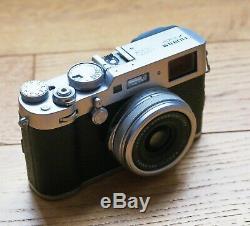 Fujifilm X100F 24,3 MP Argent Très bon état