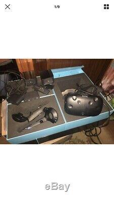 HTC Vive Casque de réalité virtuelle VR PACK COMPLET, très bon état Avec Boîte