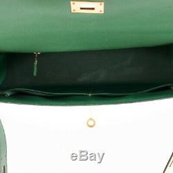 Hermès Kelly sellier 32 cm en cuir courchevel vert gazon, très bon état général