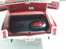 Highway 61 1/18 Superbe Oldsmobile 4-4-21966 Tres Bon Etat En Boite. D2