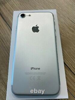 IPhone 7 32 Go Tous opérateurs complet et en tres bon état