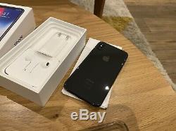 IPhone X 64GO Gris Sidéral Très Bon État + accessoires + Boite DÉBLOQUE