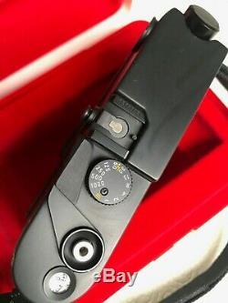 Leica M6 noir, très bon état, N°1916153 avec boite, notice, courroie d'origine