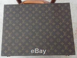 Louis Vuitton Authentique Attache Case Plat Toile Monogram En Très Bon Etat