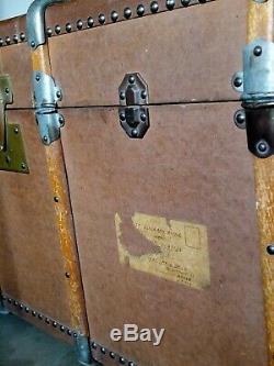 Malle ancienne 1920 armatures bois. Très bon état. Marron