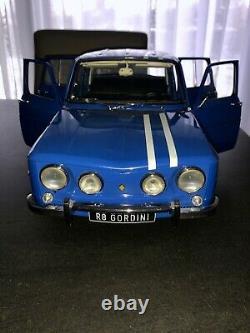 Maquette voiture R8 Gordini 1/8 très bon état