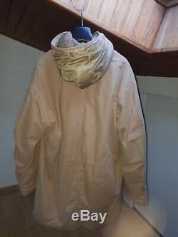 Parka Helmut Lang taille 50 amovible avec capuche couleur beige Très bon état