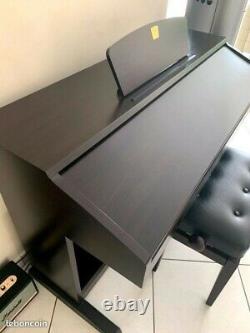 Piano électronique haut de gamme Yamaha CVP 401 très bon état