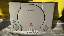 PlayStation PS1 SCPH-1002 en très bon état