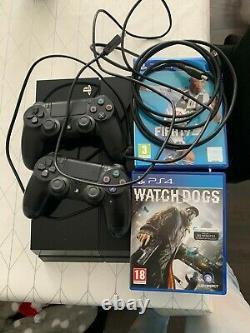 Ps4 500go + 2 manettes + 2 jeux + Cable hdmi TRES BON ETAT