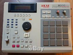 Sampleur Akai Mpc 2000 XL Beatmaking + Lecteur De Carte Sd En Tres Bon Etat