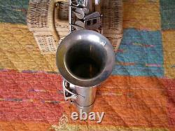 Saxophone E. Beaugnier ancien à reviser très bon état argenté dans son jus