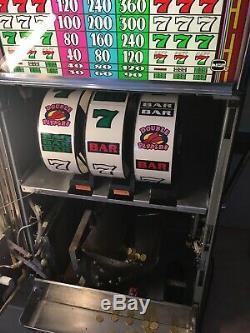 Slot machine a sous IGT S+ HOT PEPPERS avec monnayeur euro @@@ très bon etat