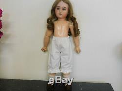 Superbe poupée bébé Jumeau Diplôme D'Honneur 230 SFBJ taille 9 très bon état