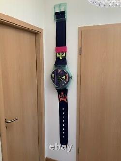 Swatch maxi / montre murale / très rare / occasion très bon état /GG118