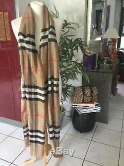 Très grande étole cheche foulard BURBERRY tartan beige soie bon état 250X70