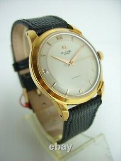 Universal Geneve Automatic Vers 1950 En Tres Bon Etat Old Vintage Watch