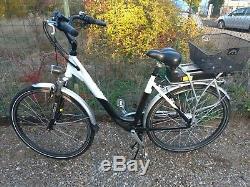 Vélo électrique en très bon état, suspension à l'avant